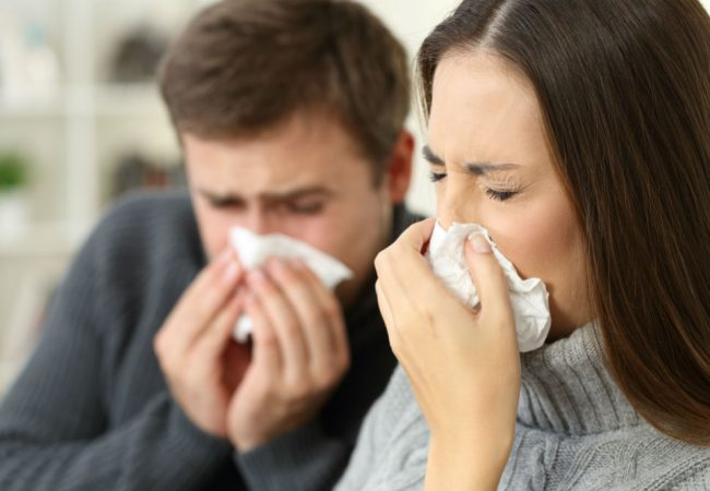 Is Bronchitis Contagious Through Kissing?
