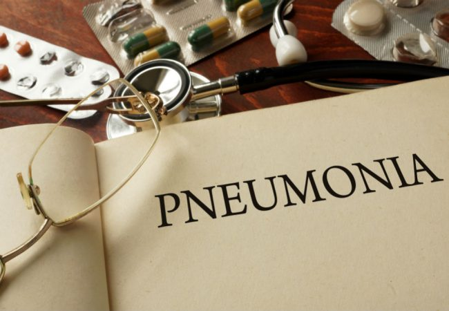 Acute Bronchitis vs Pneumonia: Are They Connected?